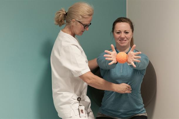 Målrettet og individuelt tilpasset fysioterapi i gruppe, i kombinasjon med egentrening, virker positivt for MS-pasienter, både p